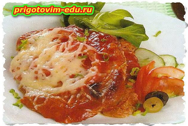 Свинина, запеченная в томатном соусе в СВЧ печи