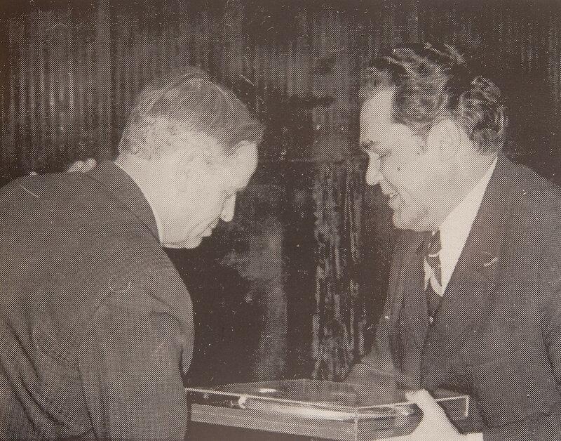 Новокузнецк - Иван Михайлович Звездов (справа)