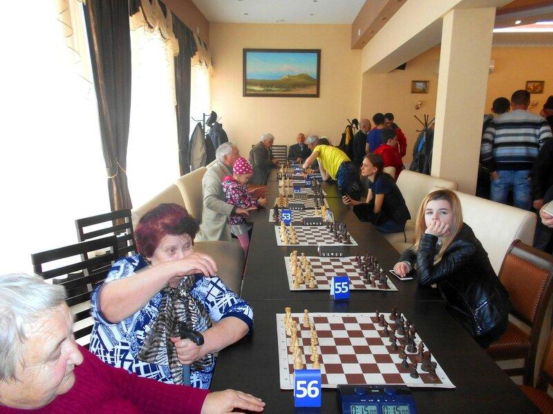 В шахматном зале ... DSCN1946.JPG