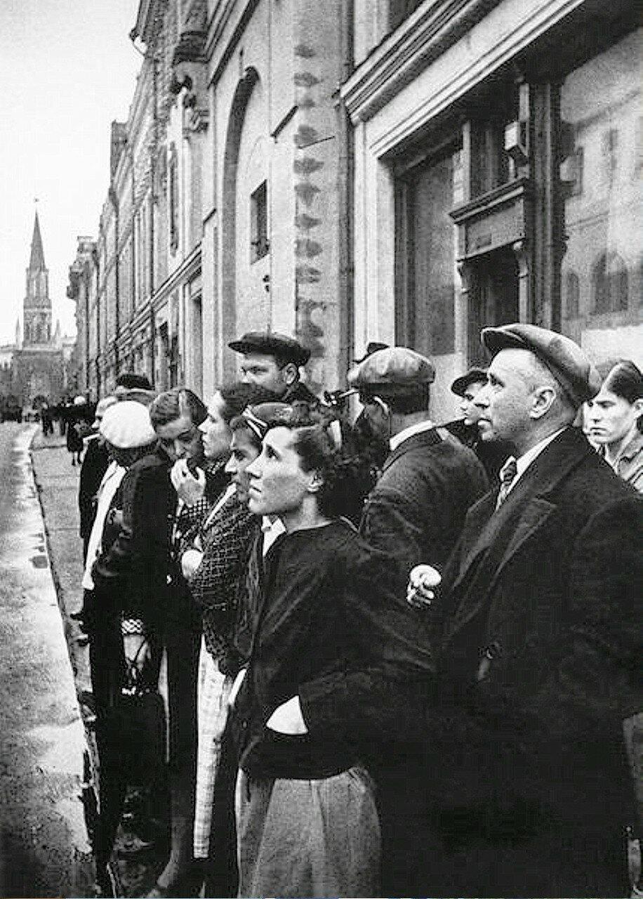Фотография Е. Халдея(1917 - 1997)Фотохудожник Победы (25-01).jpg