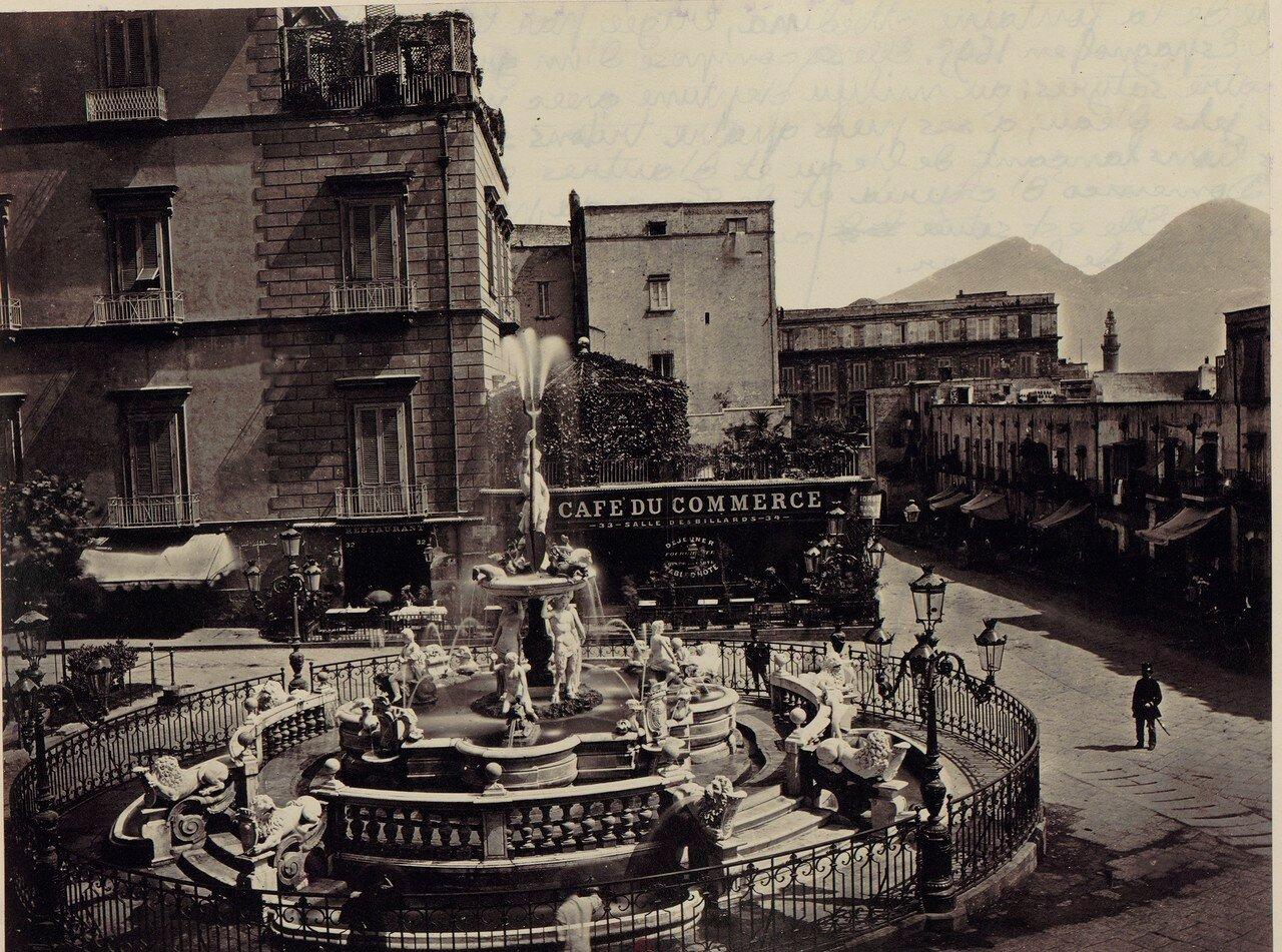 37. Фонтан Нептуна на улице Медина построен в 1695 году
