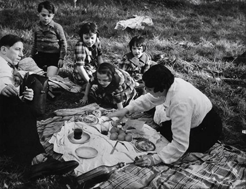 1930-е. Семейный пикник