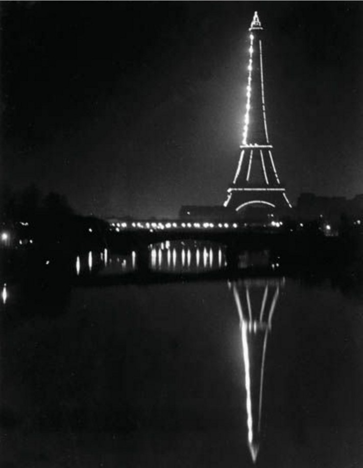 1932. Эйфелева башня