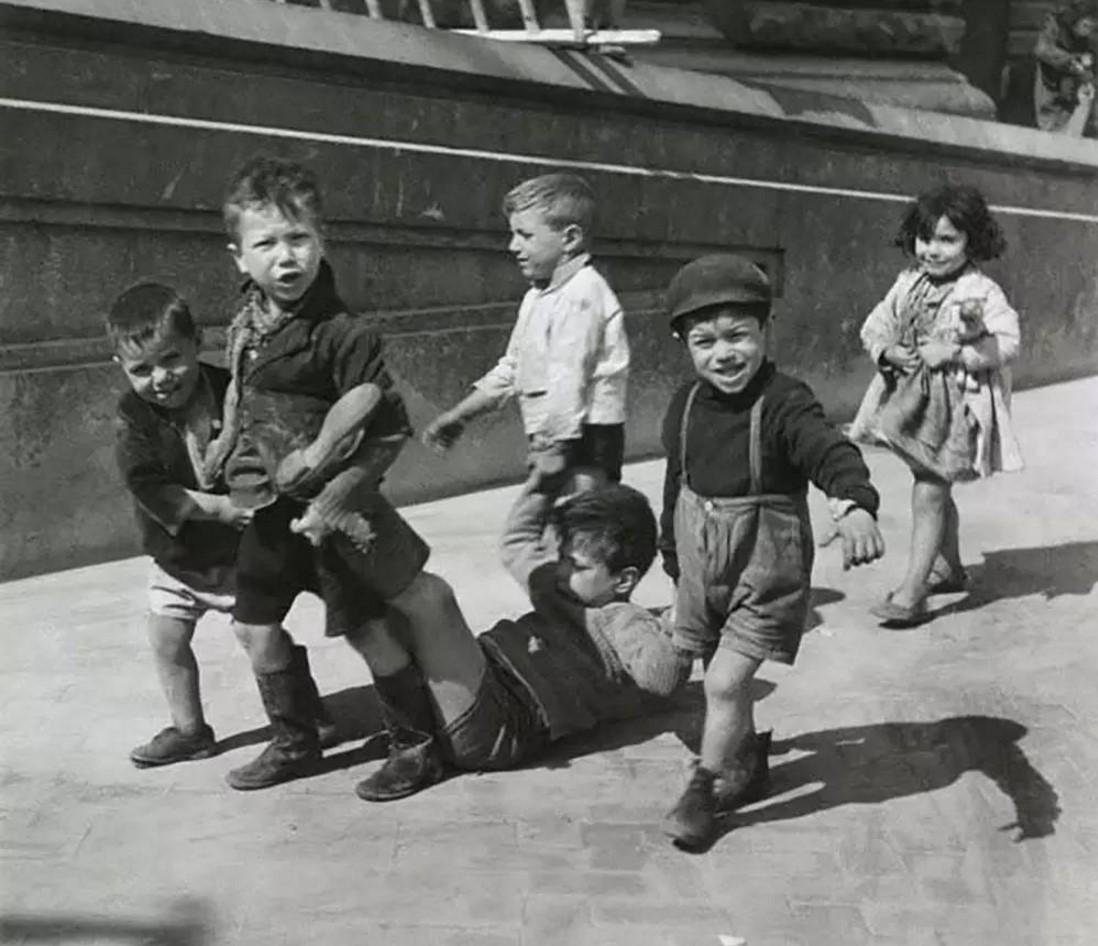 1938. Маленькие неаполитанцы