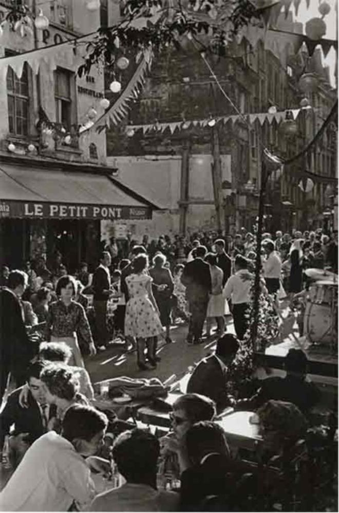 1961. Рю ле Пети-Пон. Праздник  14 июля