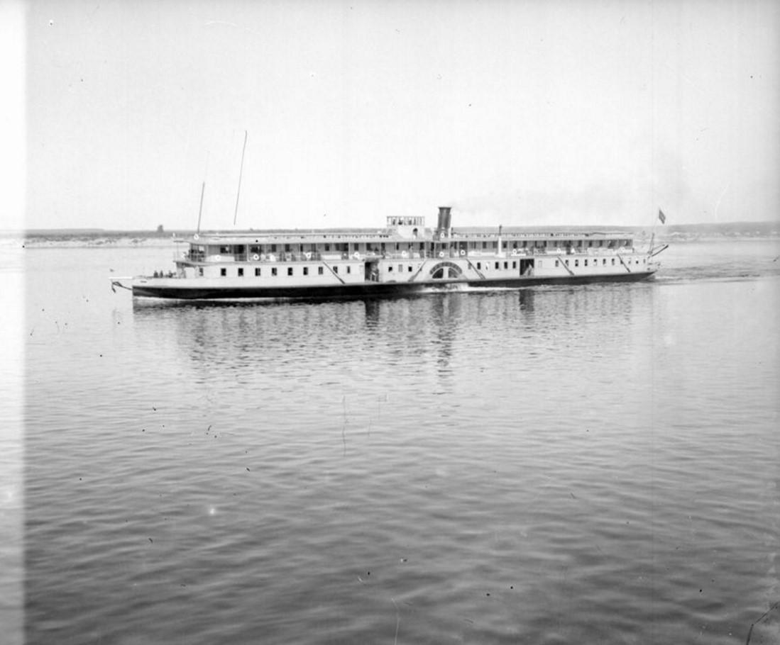 1890-1900. Заднеколесный пароход на реке Волге. Нижний Новгород