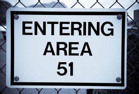Зона 51: Секретные файлы ЦРУ / Area 51: The CIA's Secret Files (2014/HDTV/HDTVRip)