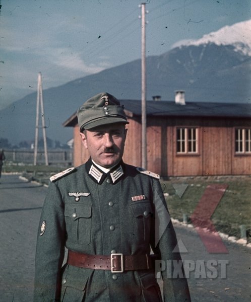 stock-photo-hauptmann-mountain-trooper-barracks-in-landeck-austria-1941-pontlatz-kaserne-9142.jpg