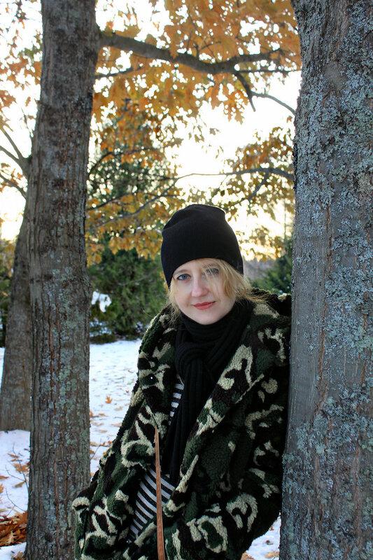 Меховое пальто - Pull&Bear, платье - Zara, шапка - H&M