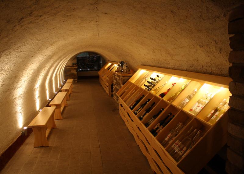 Сентендре и музей вина в нем