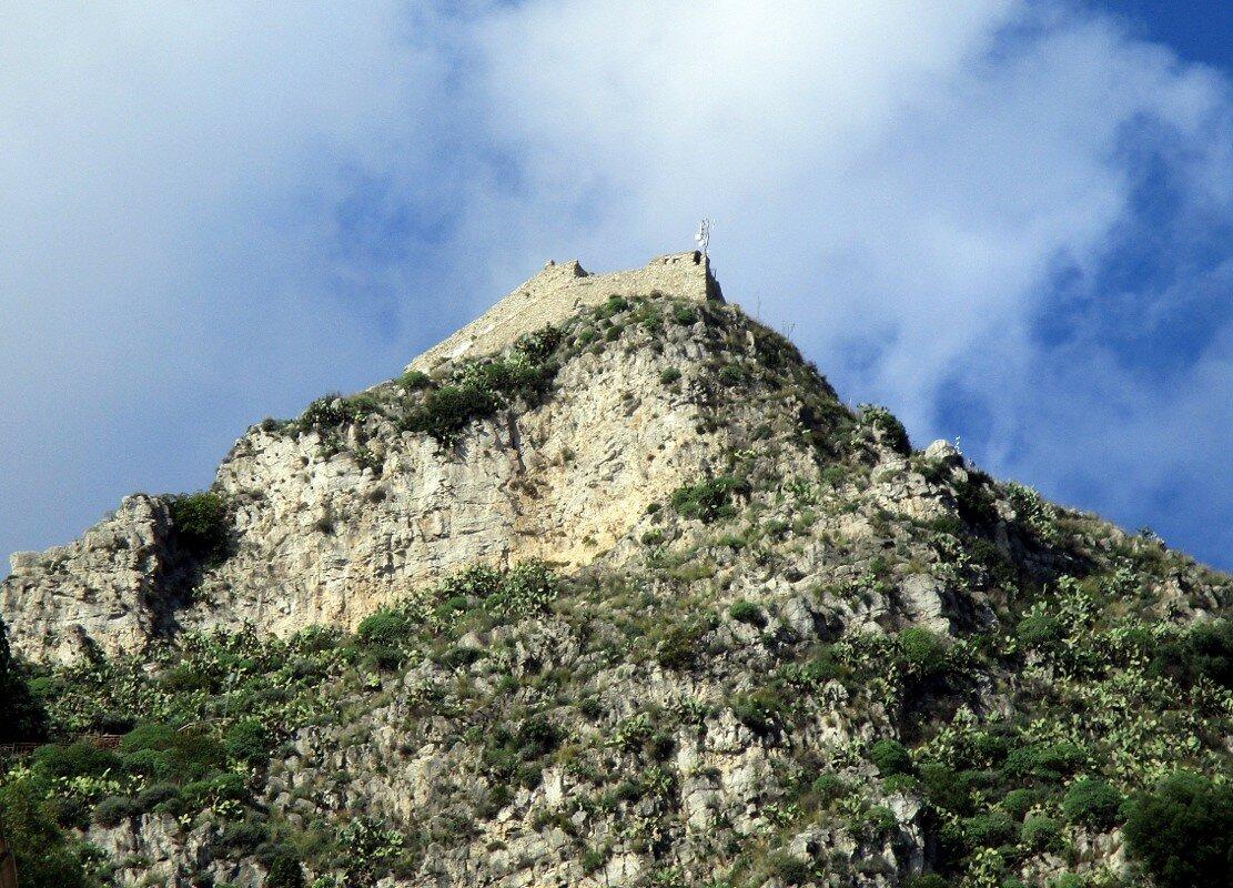 Taormina. Monte Tauro fortress
