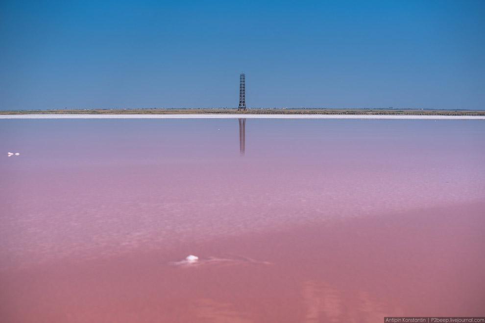 11. Вода в течение месяцев выпаривается, и в результате на дне остается слой соли до 11 сантиме