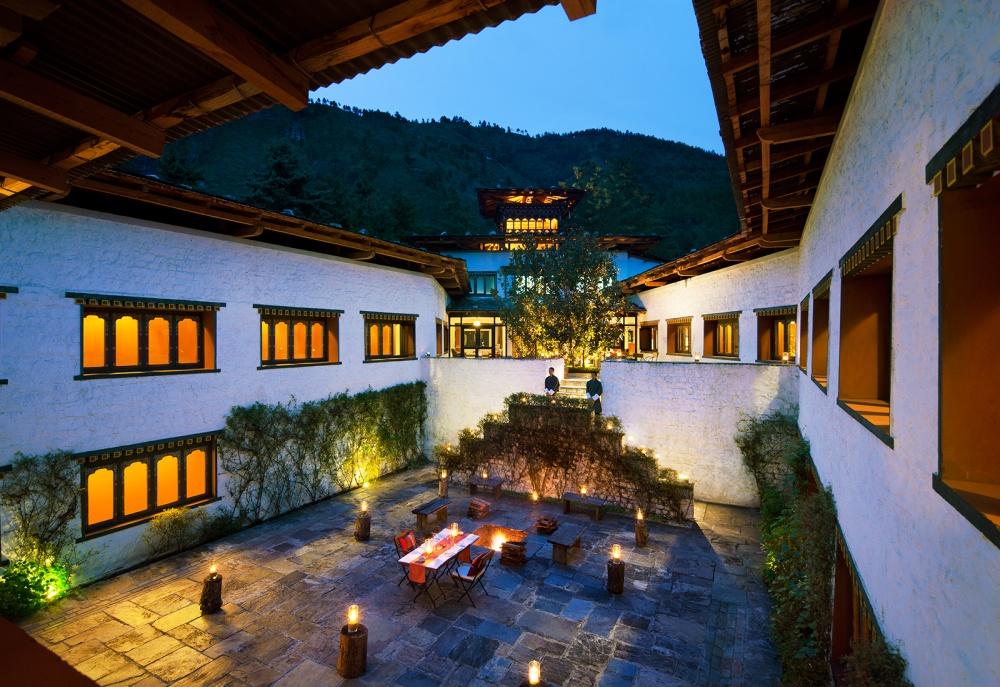 © NationalGeographic  Загадочный Бутан всегда манил путешественников. Его называют «страной сч