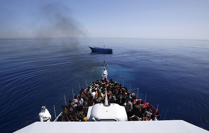 1. Некоторые считают, что ситуация в средиземноморском регионе достигла катастрофического уровн