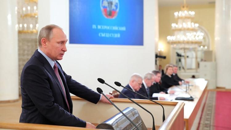 Владимир Путин: нужно беречь чистоту судейского корпуса