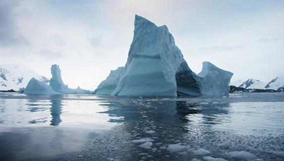 «Кровавый» водопад вАнтарктиде: ученые раскрыли тайну
