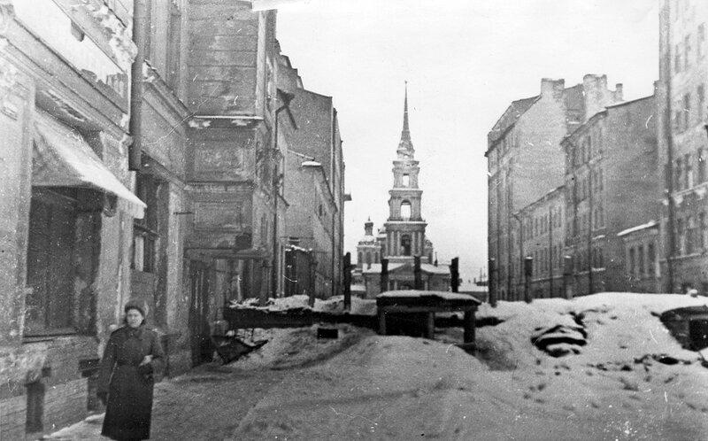 Баррикада на улице Тюшина. Февраль 1944 г.