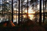 Солнце прячется в палатках