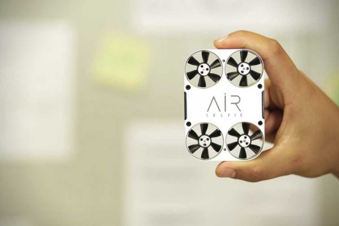 AirSelfie - A mini-drone for your selfies
