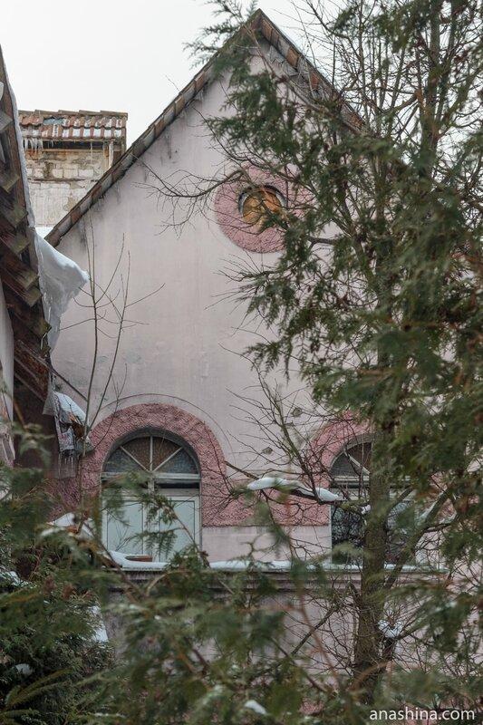 Окна, дача Лианозова