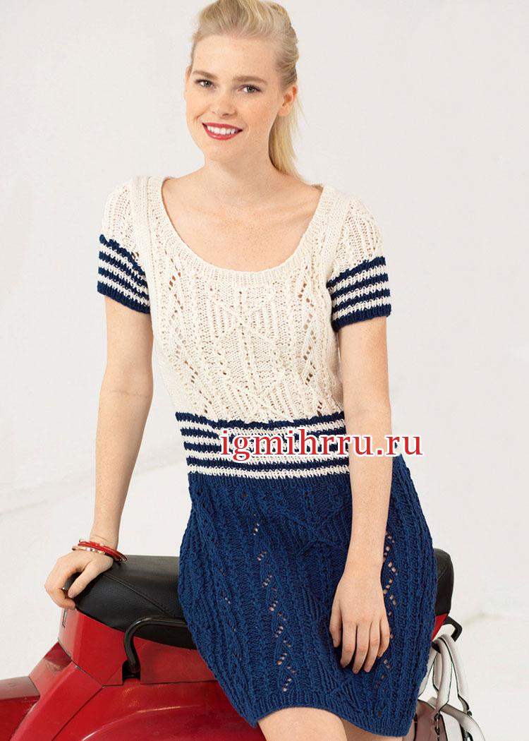 Сине-белое платье в морском стиле. Вязание спицами