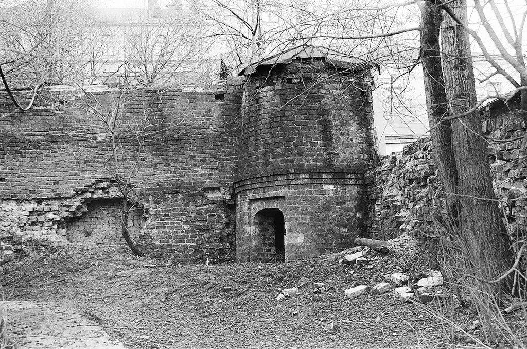 176878 Стена и башня б. Рождественского монастыря 86 И.Нагайцев.jpg