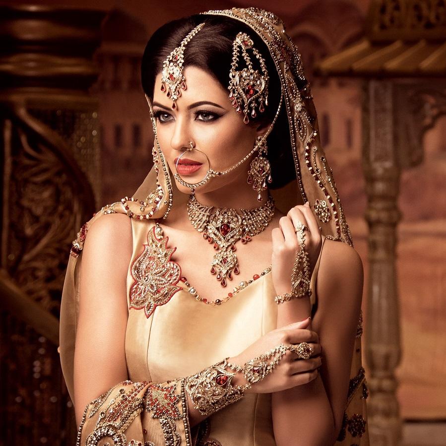 Classic-Indian-Wedding-Jewelry.jpg