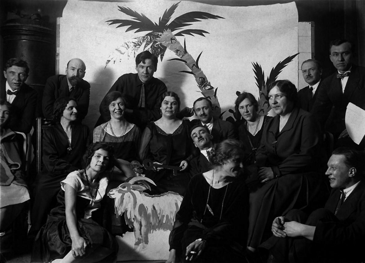 1926. Встреча Нового года в доме профессора Баранова на Моховой улице