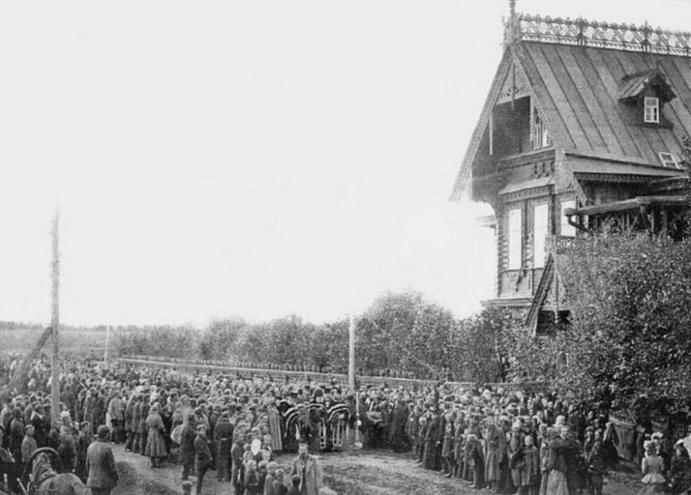Окрестности Вытегры. Шестово. Похороны купца А.Ф.Лопарева, 1899