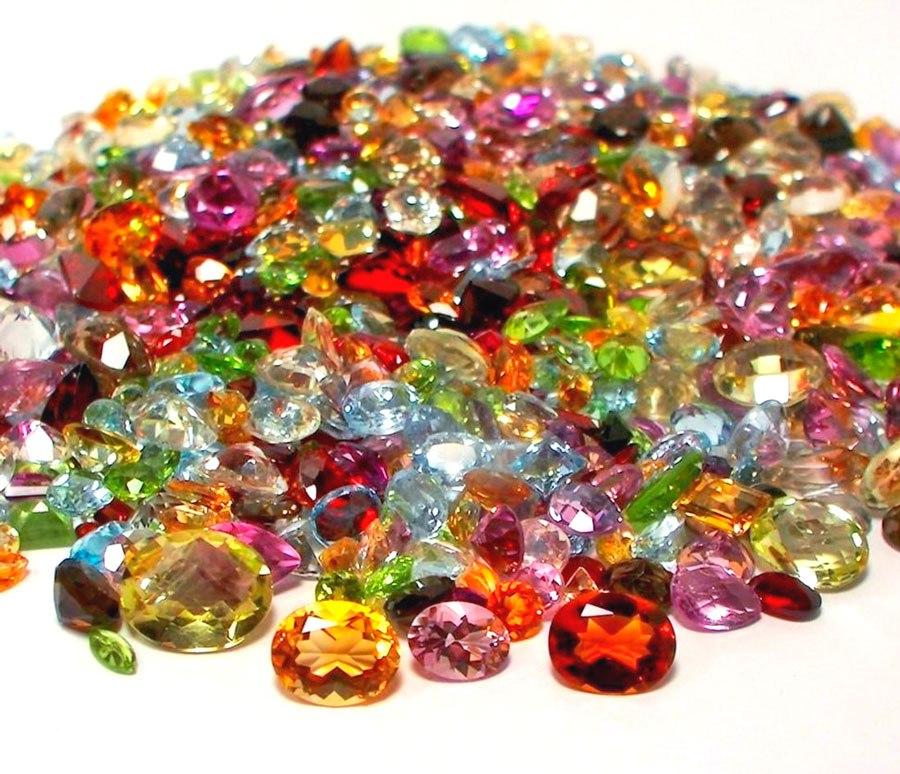 украшения с минералами