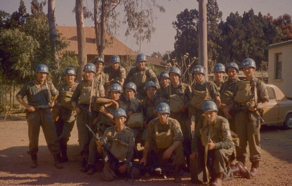 pat-quinlan-with-troops.jpg