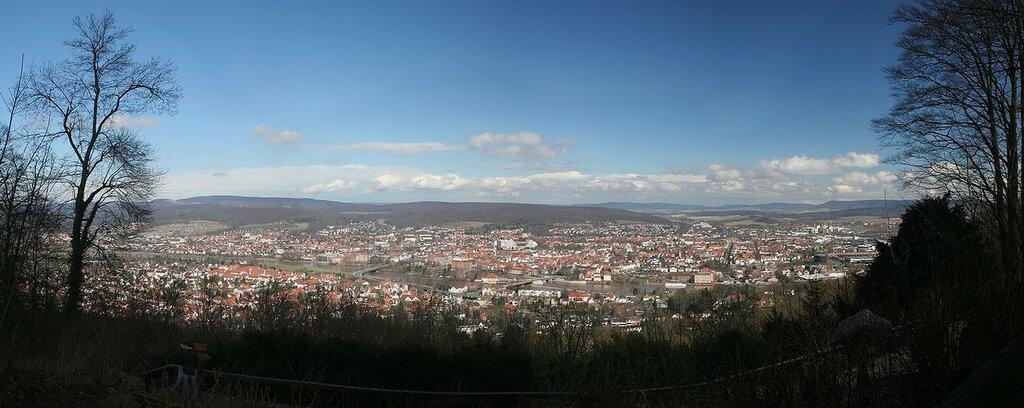 Hameln_Panorama_3-2006_small.jpg