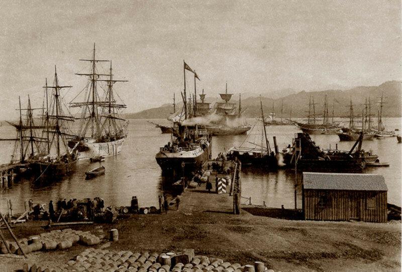 1868 Батум. Загрузка судов нефтепродуктами. Д. И. Ермаков.jpg