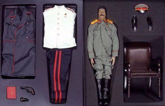 """Не до смеха: Скрепи сделали игрушки """"Барби-Сталин"""" - """"Джугашвільки"""" (фотофакти)"""