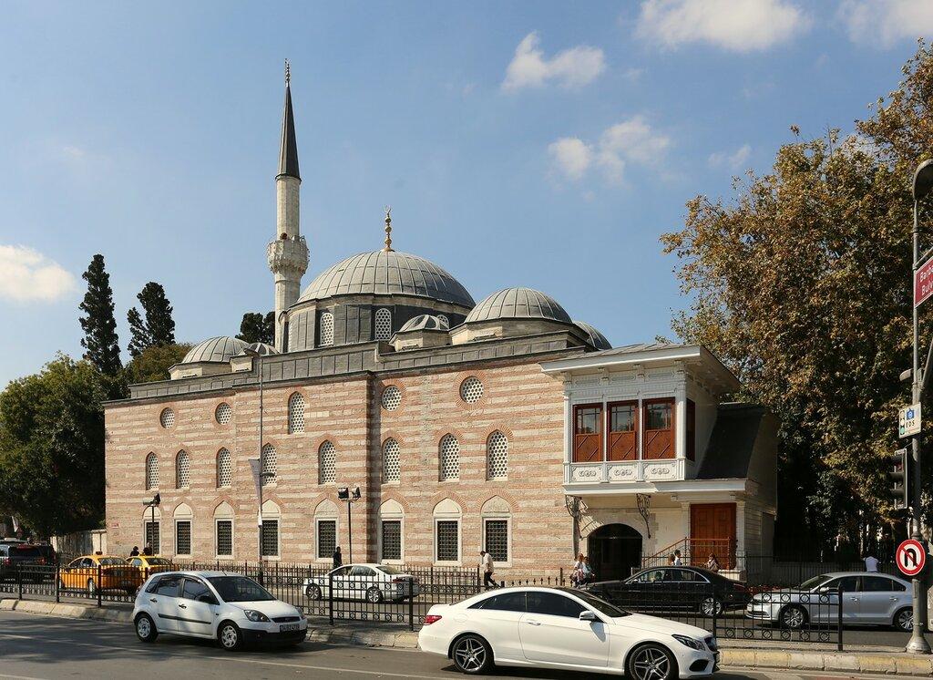 Стамбул. Мечеть Синана-паши (Sinanpaşa Camii)