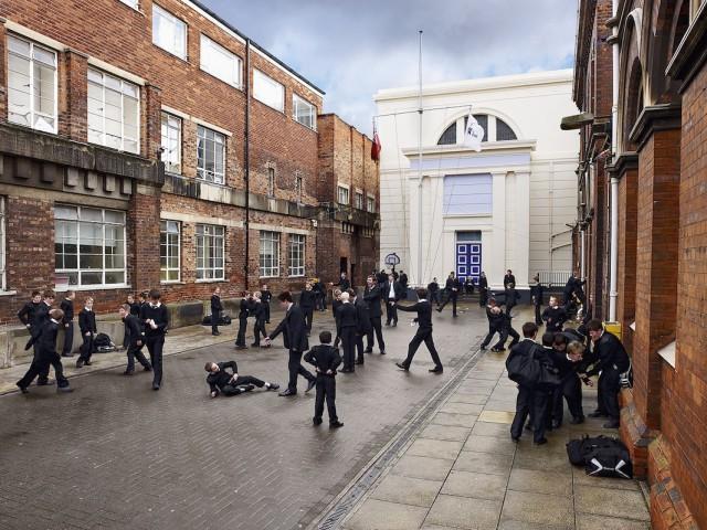 Игровые площадки в школах разных стран
