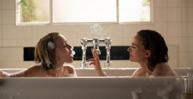 В первый день зимы на экраны выходит история двух сестер, обладающих, по слухам, сверхъестественными