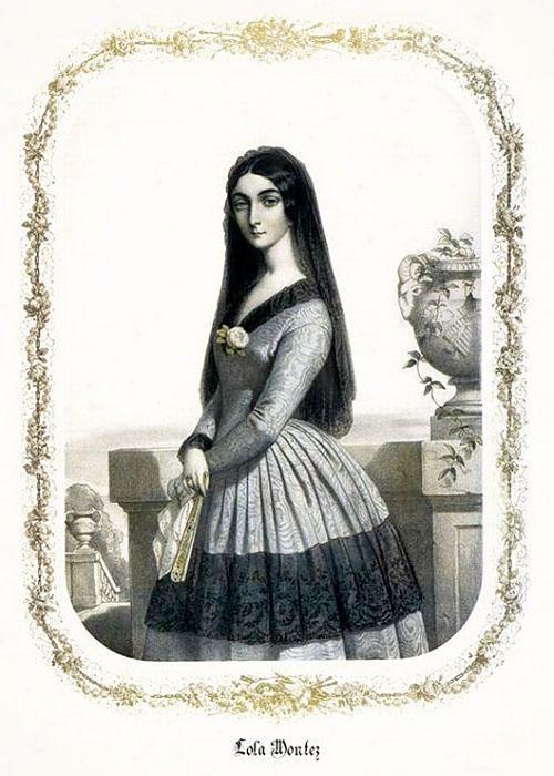 Индия манила девушку своей экзотичностью. Там она обучалась традиционным танцам. Спустя некоторо