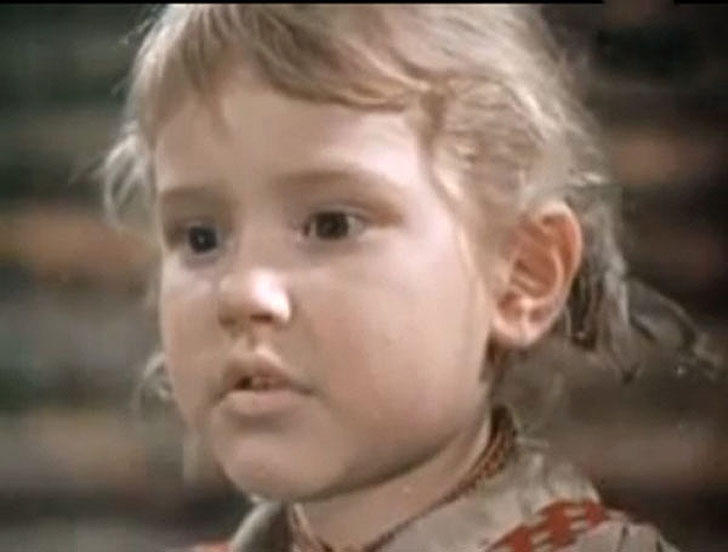 Анна Каменкова, 1959, «Девочка ищет отца» — Лена Микулич.