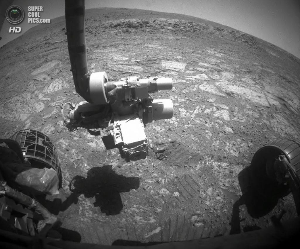29 августа. Вид с камеры марсохода «Оппортьюнити», всё ещё бороздящего просторы Марса после приз