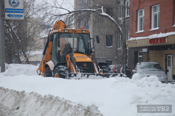 Граждан Томска попросили посодействовать коммунальщикам суборкой снега