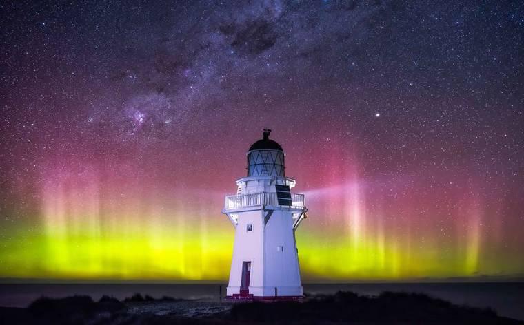 Aurora Australis - A couple captures the wonderful nights of New Zealand