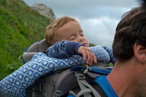 Поход с ребенком 11 месяцев в Лагонаки. Сон в рюкзаке-переноске Osprey Poco Plus