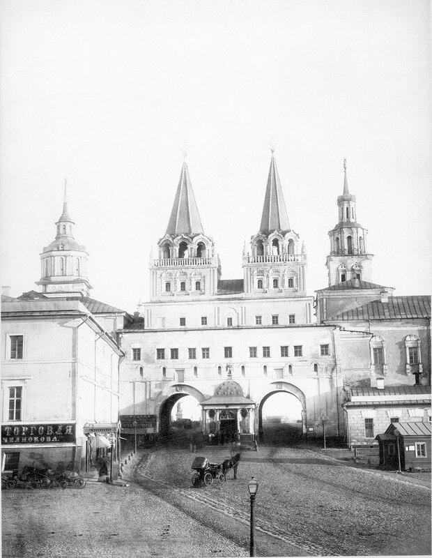30631 Воскресенские ворота нач. 1870-х гг..jpg