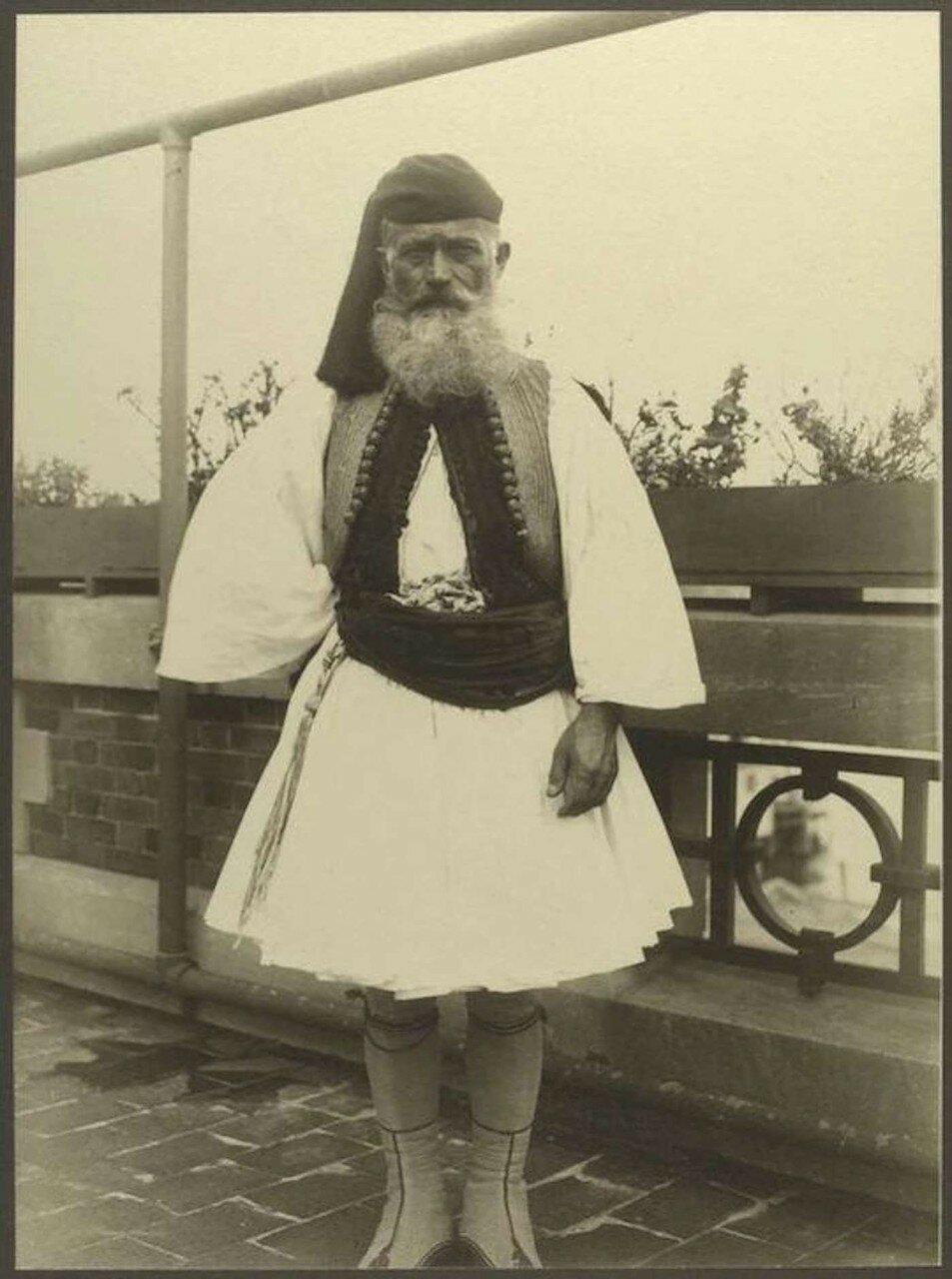 Греческий солдат