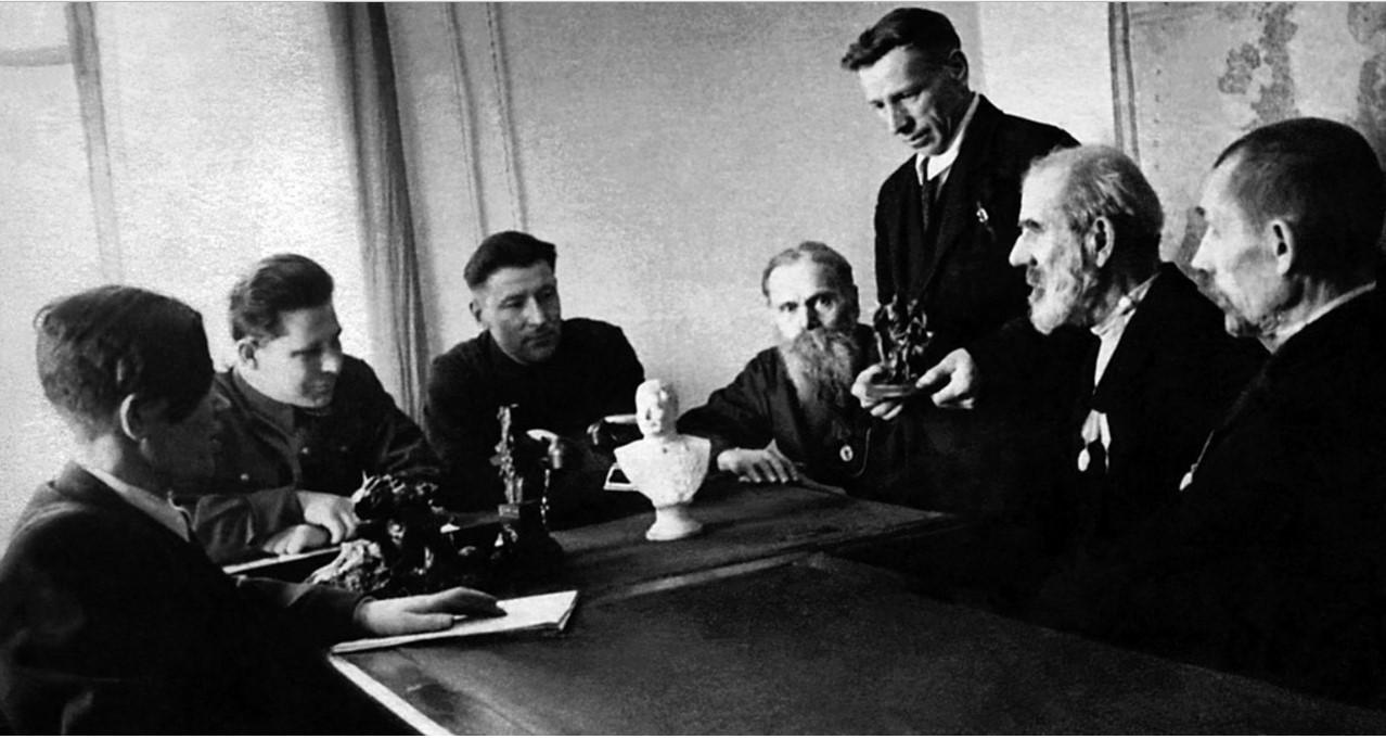 Касли. Чугунолитейный завод. Цех художественного литья. Художественный совет. 1946