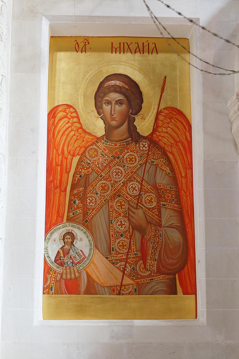 Архангел Михаил. Икона местного ряда иконостаса Пущинского храма