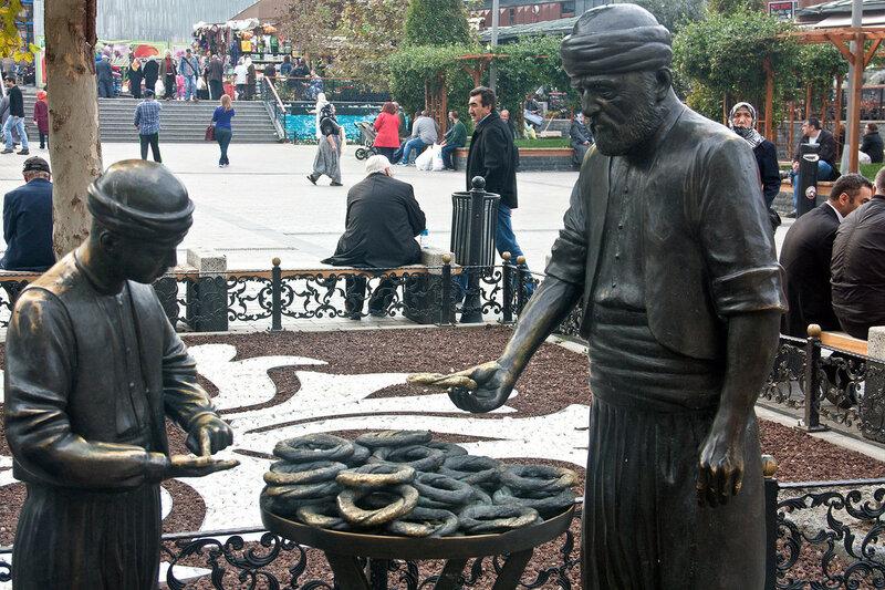 Памятник продавцу бубликов Стамбул
