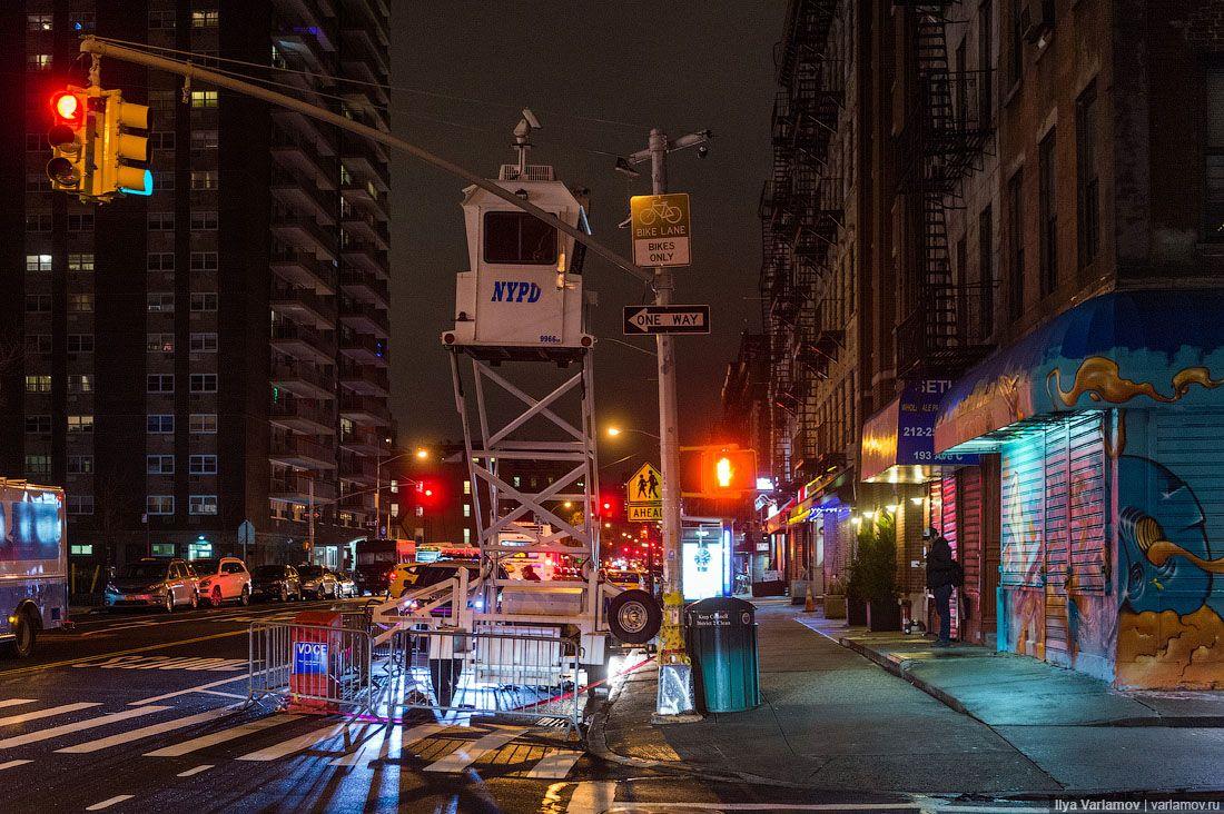 В Нью-Йорке плохие дороги.