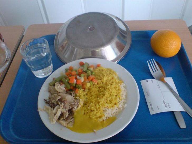 4. Швеция: курица с рисом и овощами, апельсин.